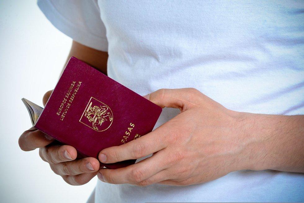 Vos 24-erių lietuvis atsisako pilietybės: priežasčių sąraše – ir karinė tarnyba