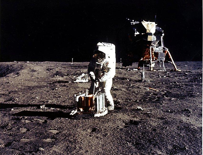 Moon mission (photo by Vida Press)