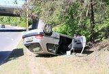 Vilniuje apsivertė automobilis, sužalotas vyras