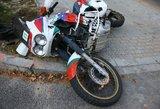 Per plauką nuo tragedijos: motociklininkas atsipirko kaulų lūžiais