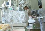 Medikai kovoja dėl visiškai girtos gimdyvės kūdikio: vaikeliui gresia mirtinas pavojus