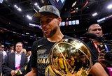 """Varžovus nušlavę """"Warriors"""" krepšininkai – vėl NBA čempionai"""