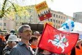 Tarptautinę darbo dieną žmonės prie Seimo reikalauja orių algų