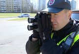 Kauno policijos laimikis: vyras be teisių lėkė 200 km/val. greičiu