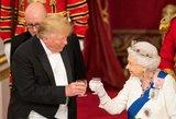 Karališkąją šeimą aplankęs Trumpas patyrė fiasko: žiauriai pažeidė karališkąjį protokolą