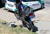 Naujoje Vilnioje per susidūrimą su automobiliu sunkiai sužeistas motociklininkas