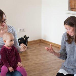 Kūdikių gestai – dovana ateičiai: kalbų gebėjimai, erdvinis mąstymas, iškalba