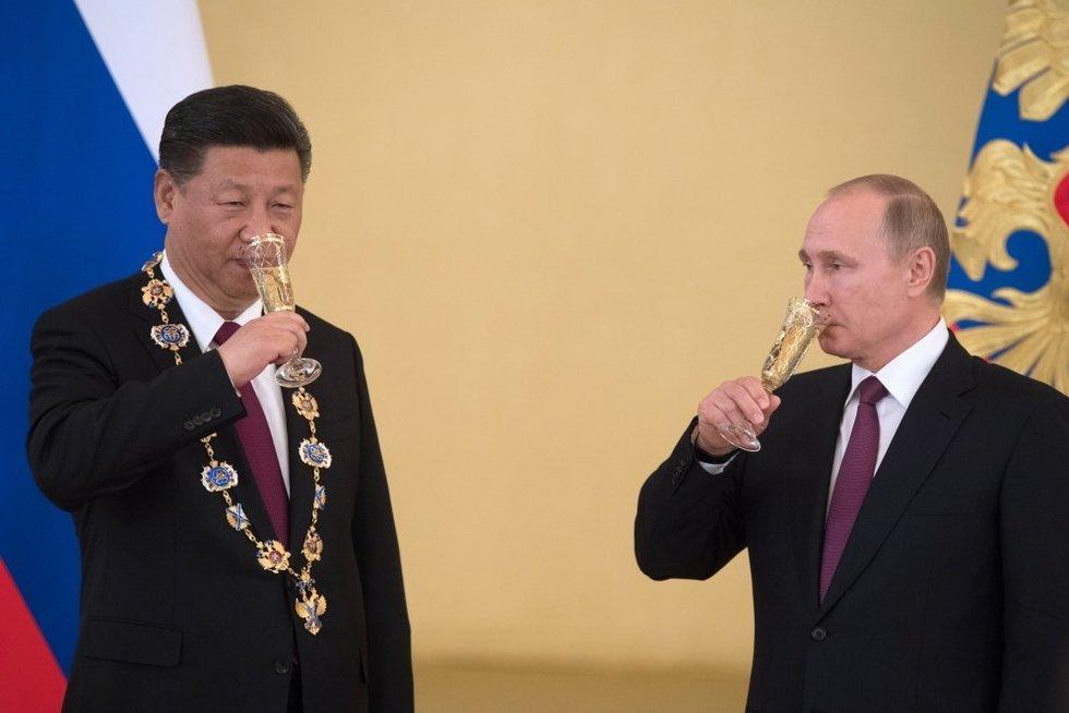 """Putino Rusiją rytuose """"valgo"""" Kinija (nuotr. SCANPIX)"""