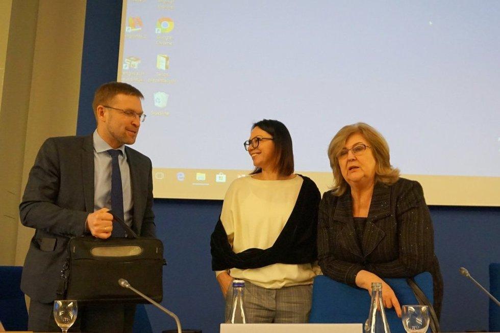 """Seime surengtoje konferencijoje """"Negalią turinčių asmenų dalyvavimas darbo rinkoje – kaip padidinti galimybes?"""" diskutuota, kaip padėti neįgaliesiems įsilieti į darbo rinką. (Aurelijos Babinskienės nuotr.)"""