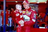 Schumacherio sūnus įspėja dėl pasaulį sužavėjusių nuotraukų su tėčiu