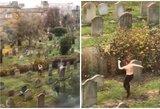 To dar nematėte: merginos šokis kapinėse prajuokino milijonus