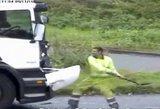 Britų policijos įraše – agresyvių vairuotojų santykių aiškinimasis