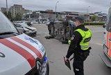 Pavojinga pavežėjo avarija sostinėje: per eismo įvykį prispausti žmonės