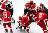 Tik Rusijoje: prisigėręs ledo ritulininkas primušė komandos draugo žmoną