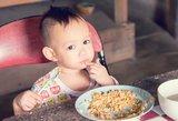 Gydytojai perspėja: tėvai mažamečius stumia link nutukimo