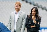 Internautai pasipiktinę: princas Harry kritikuoja M. Markle stiliaus detalę