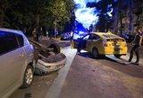 Vilniuje veždamas keleivius girtas taksistas sukėlė didžiulę avariją