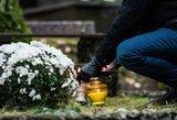 Naujos kapinių mados: samdomi tvarkytojai, ant kapų – skalda