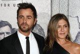 Smūgis J. Aniston: jos buvęs vyras pastebėtas populiarios aktorės pašonėje