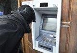 Lietuvoje plinta žinia apie atvirkščiai suvedamą PIN kodą bankomatuose