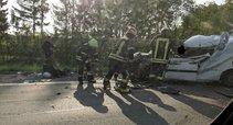 Siaubinga avarija netoli Kauno: sumaitotame automobilyje – prispaustas žmogus (nuotr. facebook.com)