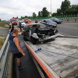 Dėl užsidegusio automobilio Vilnius paskendo spūstyse