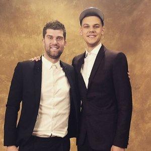 D. Sirvydis pluša su NBA žvaigždėmis