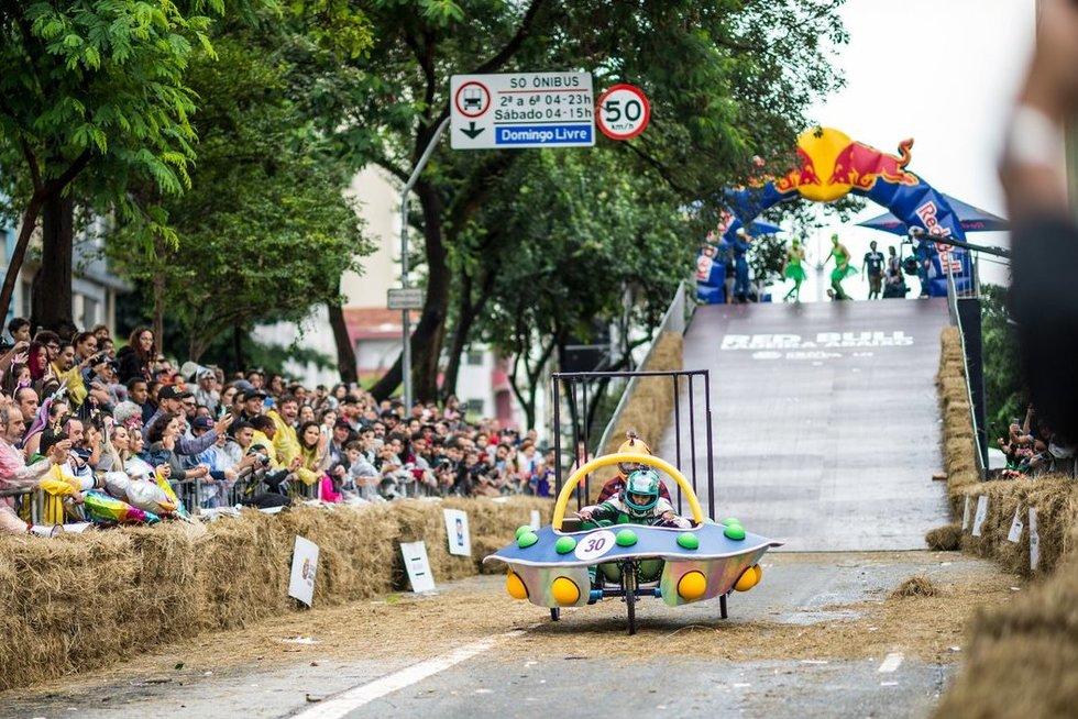 """Legendinės """"Red Bull"""" muilinių lenktynės pirmąkart bus rengiamos Kaune"""