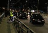 Naktinė masinė avarija Vilniuje: ant tilto susidūrė 5 automobiliai