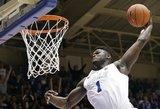 """Nepakartojama: NBA duris praversiantis """"monstras"""" įdėjo apsisukęs 360 laipnsių"""