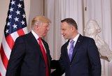 Donaldas Trumpas Varšuvoje susitinka su Lenkijos prezidentu