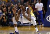 """Trečias kartas nemelavo: NBA čempionė """"Warriors"""" įveikė """"Thunder"""""""