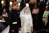 Karališkosios šeimos staigmena: paviešinta už širdies griebianti Harry ir Meghan vestuvių akimirka