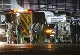 Britanijoje karantinas visiems lėktuvo keleiviams – parsivežė infekciją