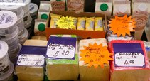 Maisto prekės Kalvarijų turguje (nuotr. Tv3.lt/Ruslano Kondratjevo)