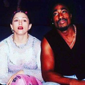 Meilės laiškas Madonnai nuo Tupaco parduodamas aukcione