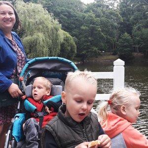 Sunkią negalią turinčio vaiko mamai skaudžiausia girdėti aplinkinių užuojautas