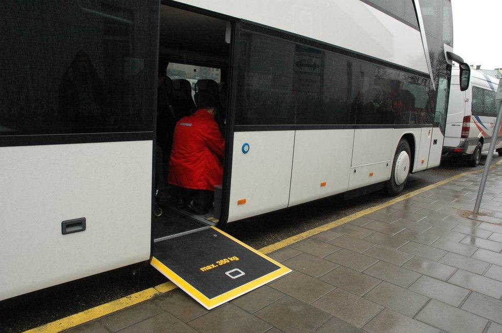 Autobusas (Linos Jakubauskienės nuotr.)