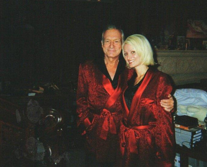 "Hugh Hefneris ir ""Playboy"" modelis (nuotr. Vida Press)"