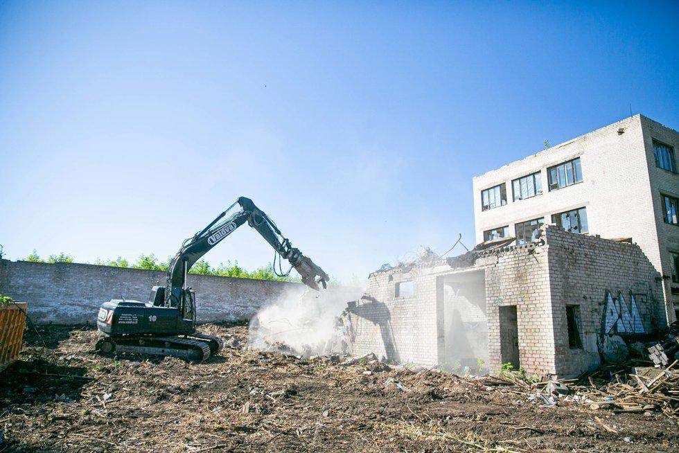 Vilniuje griaunamas pastatų kompleksas (nuotr. Fotodiena/Arnas Strumila)