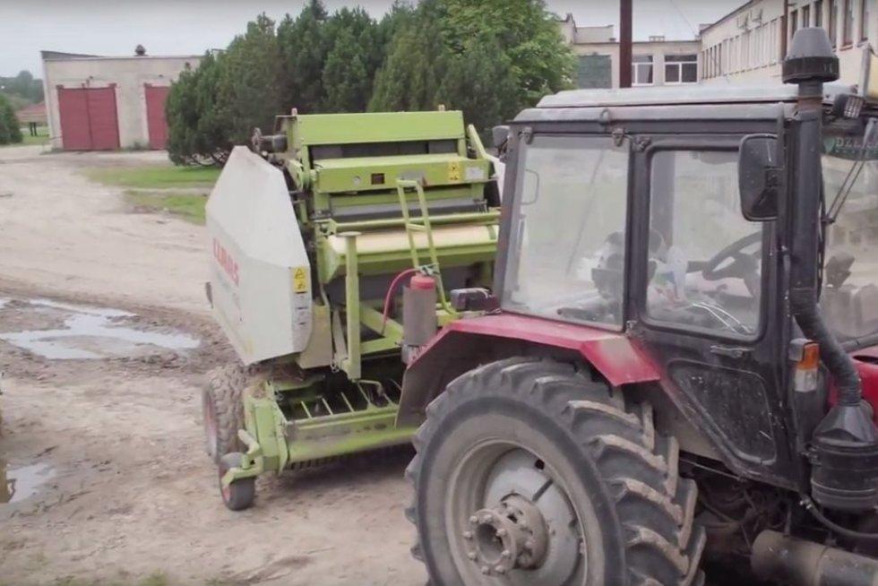 """traktorius (nuotr. """"Rinkos aikštė"""")"""