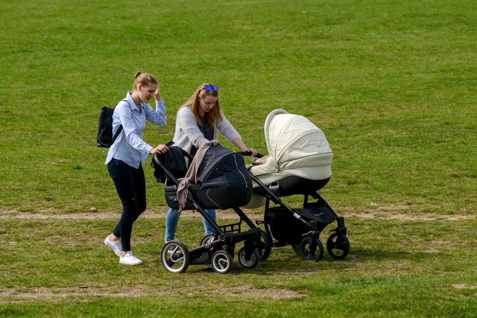 Jaunos mamos (nuotr. Fotodiena.lt)