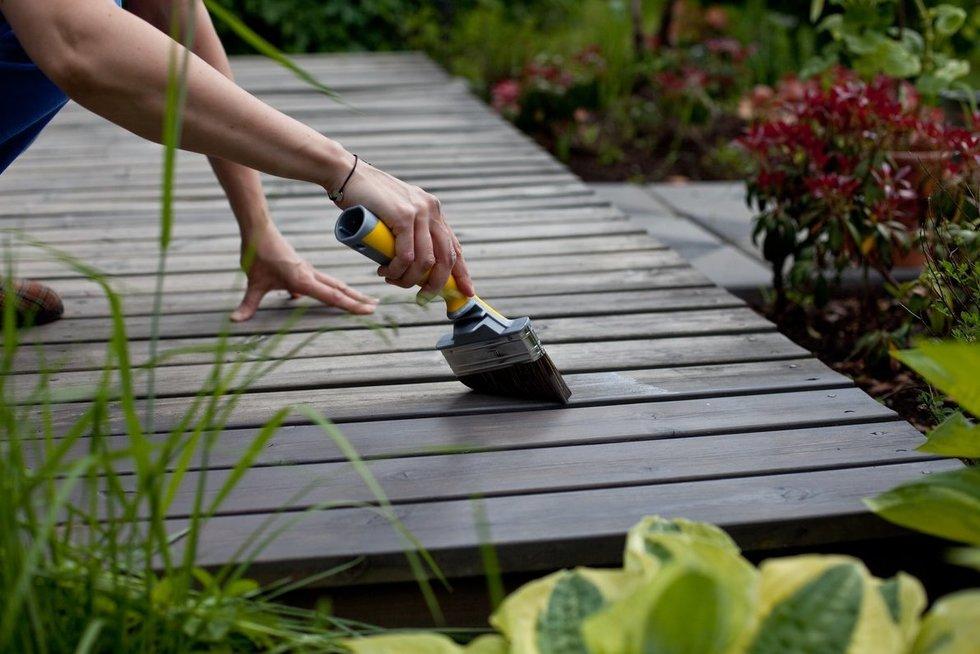 Medinės terasos priežiūra: kaip atnaujinti ir aliejuoti? (nuotr. Organizatorių)