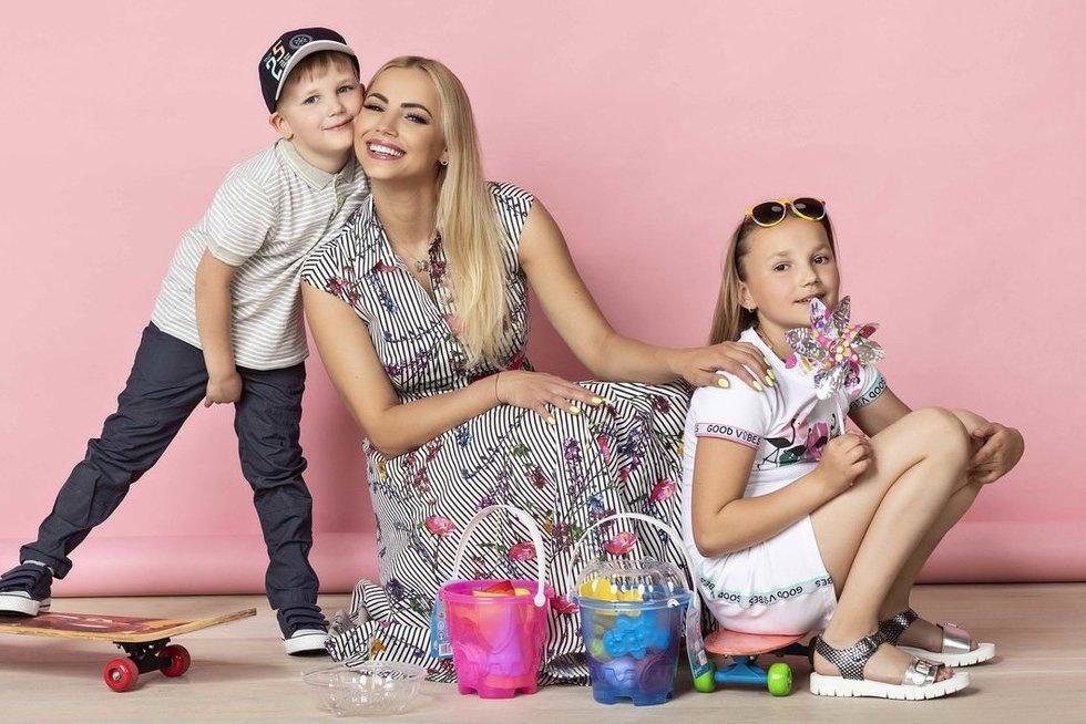 """Goda Alijeva su vaikais (""""Get Photo"""" nuotr.)"""