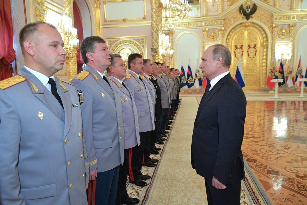 Rusija ruošiasi karui (nuotr. SCANPIX)