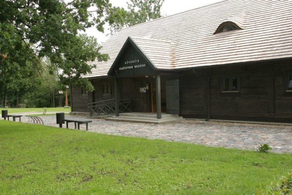Restauravus Užvenčio dvaro sodybą, išsaugotas medinės architektūros paveldo objektas ir įkurtas Užvenčio kraštotyros muziejus (nuotr. Organizatorių)