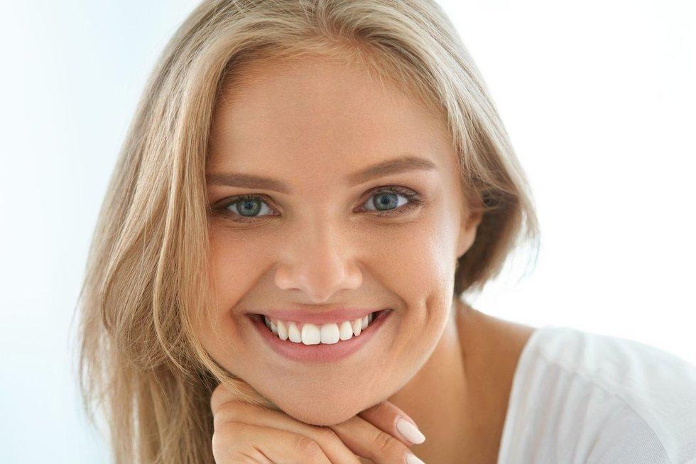 Balti dantys  (nuotr. 123rf.com)