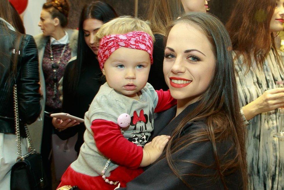 Ineta Puzaraitė-Žvagulienė su dukra Barbora (nuotr. Tv3.lt/Ruslano Kondratjevo)