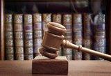 Priekabiavęs vyras vienu metu dirbo ir teisme, ir universitete, o vadovai bėdų nematė