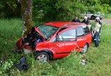 Tragiška avarija – moteris žuvo, vyras sužeistas